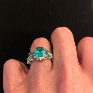 Green Gemstone Fashion Ring